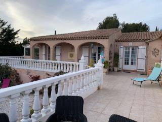 Maison-Villa - CARNOUX EN PROVENCE